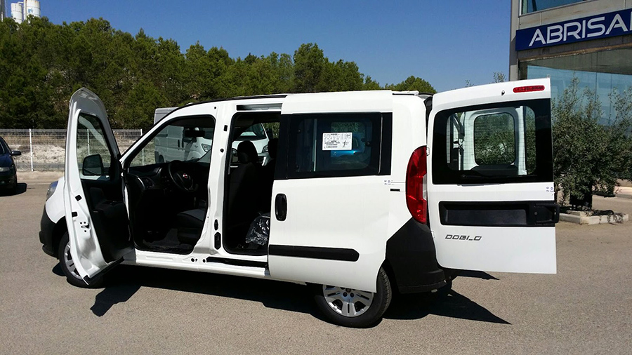 14 120 U20ac  Fiat Dobl U00f3 Panorama 1 3 Multijet Diesel 95cv